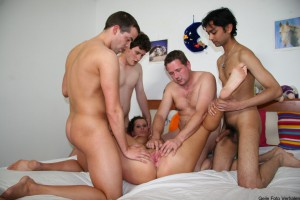 Karin met vier kerels